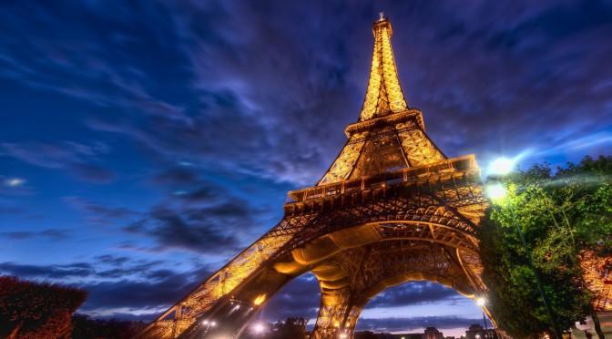 Eiffel-Tower-Paris-Wallpaper-2560x1600